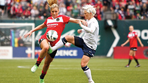 Allie_Long_2013_for_Web