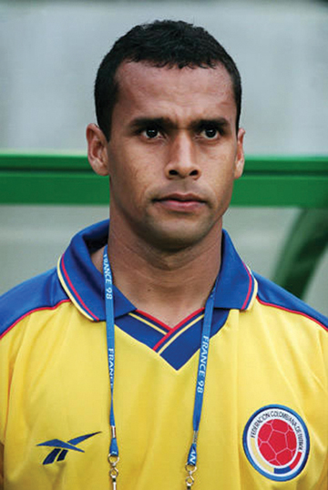 Andres_Estrada_at_1998_World_Cup_for_Web