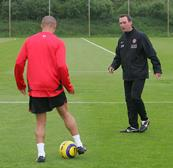 rene-meulensteen-coaching-manchester-united-player